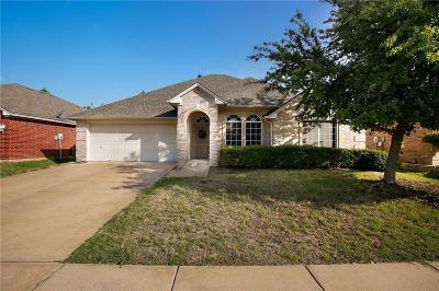 Grand Prairie Single Family Home For Sale: 5940 Lantern Lane