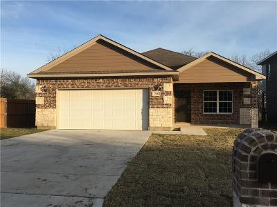 Grand Prairie Single Family Home For Sale: 706 W Church Street