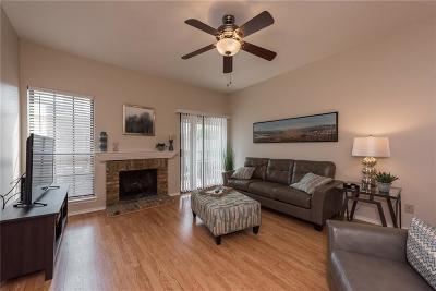 Dallas Condo For Sale: 1503 N Garrett Avenue #205D