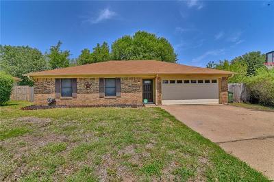Arlington Single Family Home For Sale: 1103 Twin Cedar Court