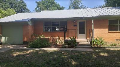 Arlington Single Family Home Active Option Contract: 1811 Oak Tree Lane