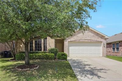 Fort Worth Single Family Home For Sale: 4237 Summer Star Lane