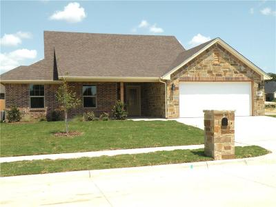 Granbury Single Family Home For Sale: 249 Jacinth Lane