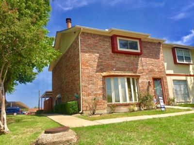 Grand Prairie Townhouse For Sale: 34 E Mountain Lane