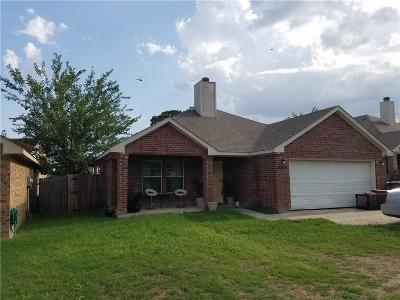 Fort Worth TX Single Family Home For Sale: $159,900