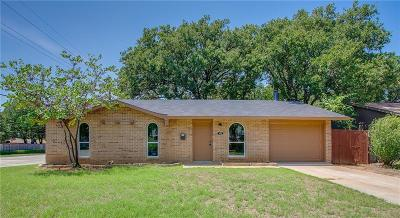 Lewisville Single Family Home For Sale: 102 Firewood Place