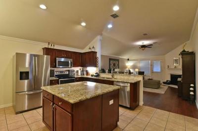 Grand Prairie Single Family Home For Sale: 3220 Fluvia