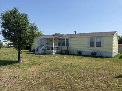 Justin TX Single Family Home For Sale: $130,000