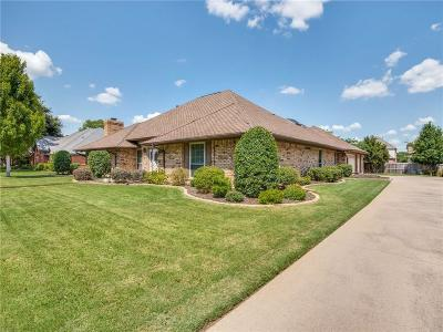 Bedford Single Family Home For Sale: 3908 Brookside Drive