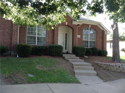 Grand Prairie Single Family Home For Sale: 4729 Magna Carta Boulevard