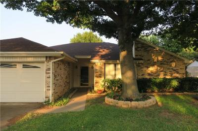 Bedford Residential Lease For Lease: 3116 Vintage Way