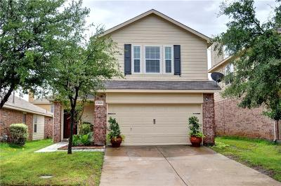 Fort Worth Single Family Home For Sale: 11924 Grizzly Bear Drive