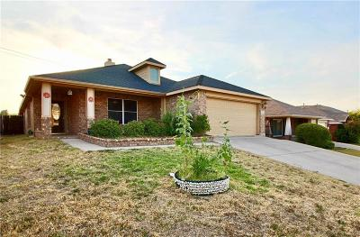 Fort Worth Single Family Home For Sale: 405 Windy Hill Lane