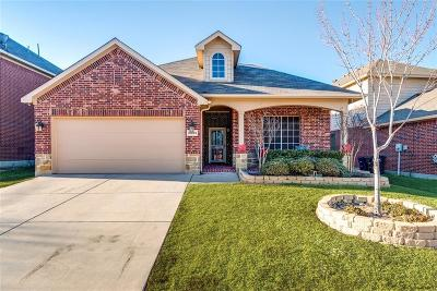 Fort Worth Single Family Home For Sale: 10833 Emerald Park Lane