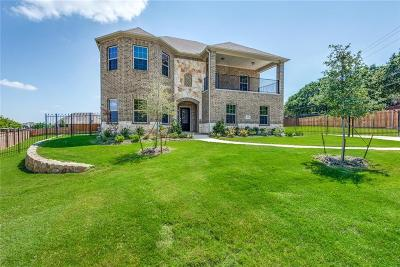 North Richland Hills Single Family Home For Sale: 7628 Oak Knoll Drive