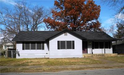 Single Family Home For Sale: 414 W 8th Street