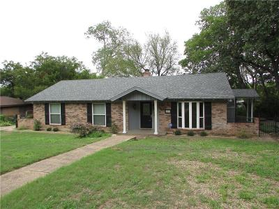 Hurst Single Family Home Active Option Contract: 216 Crosstimber Drive