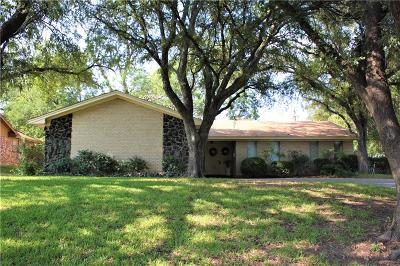 Benbrook Single Family Home Active Option Contract: 8012 Chapin Road