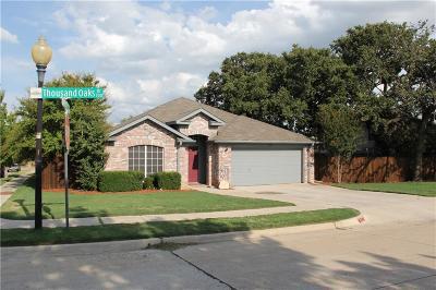 Lake Dallas Single Family Home For Sale: 748 Thousand Oaks Drive