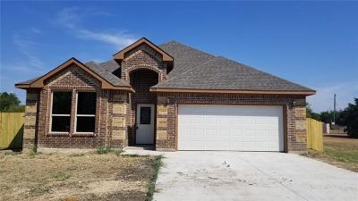 Lancaster Single Family Home For Sale: 1039 Cedardale Road