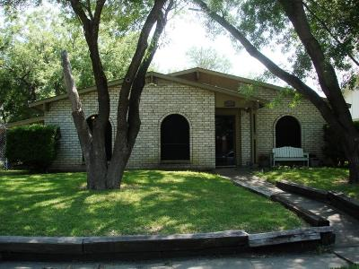 Rowlett Single Family Home For Sale: 9002 Willowbrook Drive