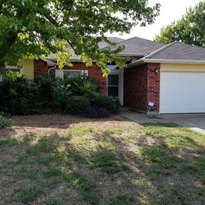 Arlington Single Family Home Active Option Contract: 6710 Olivewood Drive