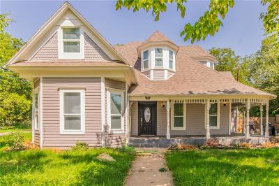 Cleburne Single Family Home For Sale: 812 W Wardville Street