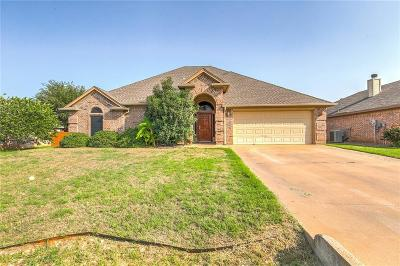 Granbury Single Family Home Active Contingent: 3020 Stroll Drive