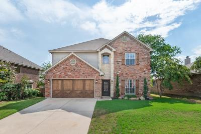 Burleson Single Family Home For Sale: 1013 Mesquite Drive
