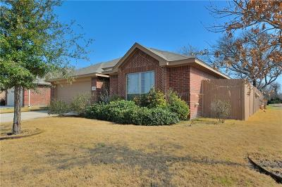 Azle Single Family Home For Sale: 157 Bridlewood Street