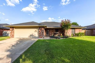 Stephenville Single Family Home Active Option Contract: 658 Bluebonnet Street