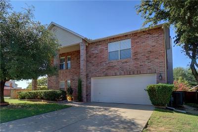 Haltom City Single Family Home For Sale: 5332 Chessie Circle