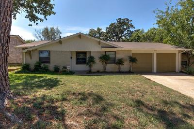 Bedford, Euless, Hurst Single Family Home Active Option Contract: 701 Johns Drive