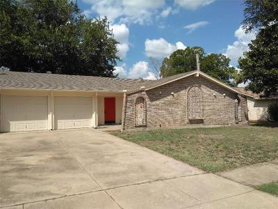 Edgecliff Village Single Family Home Active Option Contract: 1404 Lagoona