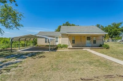 Rhome TX Single Family Home For Sale: $164,500