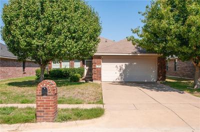Waxahachie Single Family Home For Sale: 127 Buckskin Drive