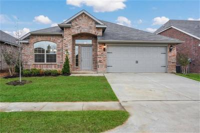 Pelican Bay Single Family Home For Sale: 1465 Eagle Nest Drive