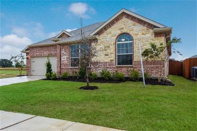 Pelican Bay Single Family Home For Sale: 1453 Lakeview Drive