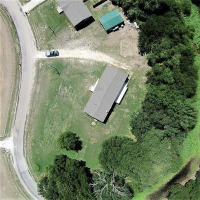 Granbury Single Family Home For Sale: 300 Sunset Acres Court
