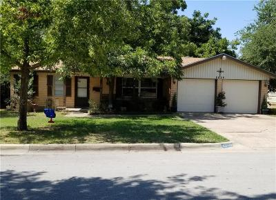 Fort Worth Single Family Home For Sale: 2029 W Bettibart Street