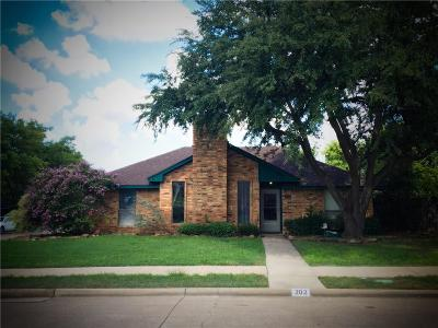 Coppell Single Family Home For Sale: 202 Barclay Avenue