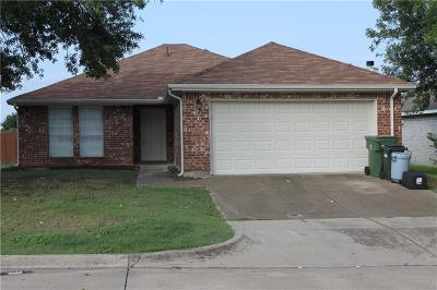 Mansfield Single Family Home Active Option Contract: 530 Blueberry Hill Lane