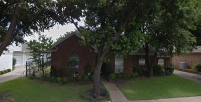 Bedford Single Family Home Active Contingent: 2536 Fox Glenn Circle