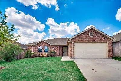 White Settlement Single Family Home For Sale: 9233 Alyssa Drive