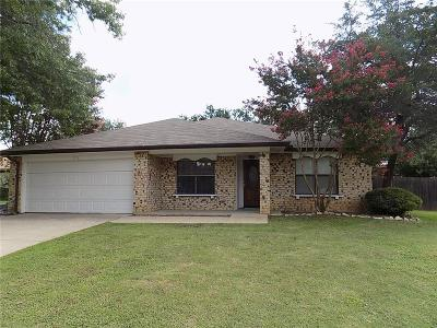 Bedford Single Family Home For Sale: 2918 Beachtree Lane