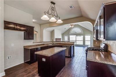 Sachse Single Family Home For Sale: 6809 Lakehurst Lane