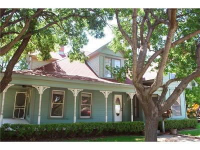 Grapevine Residential Lease For Lease: 306 Austin Street