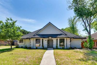 Hurst, Euless, Bedford Single Family Home For Sale: 2212 Stonegate Drive N