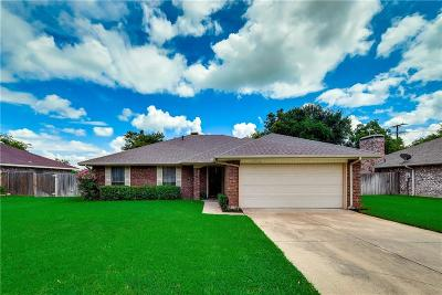 Grand Prairie Single Family Home For Sale: 3756 Royal Valley Road
