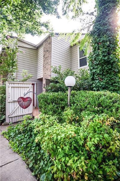 Arlington Condo For Sale: 2325 Torrington Drive #B